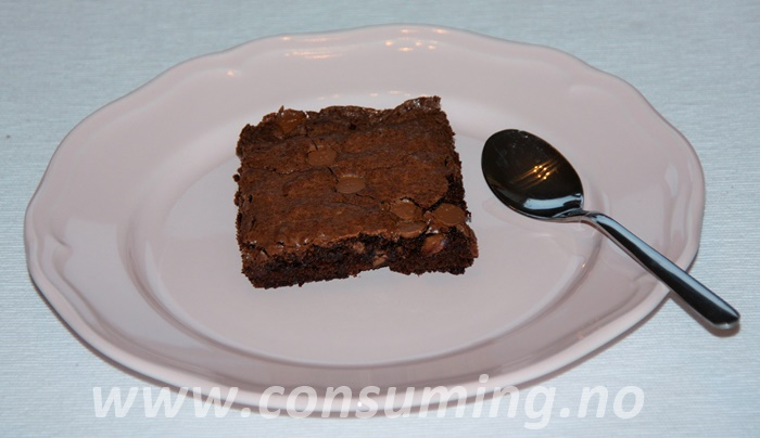Melkesjokoladebrownies stykke