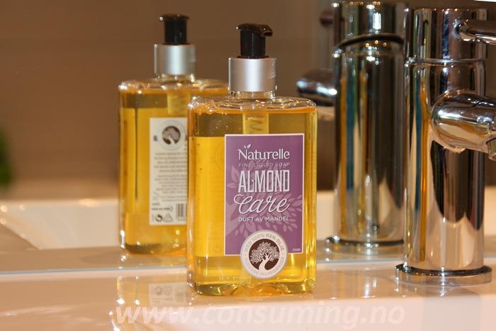 Naturelle Almond Care