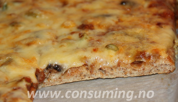 Fibra pizzabunn ferdig stekt