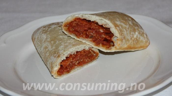Grandiosa pizzarull pepperoni overskjært