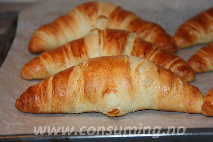 Croissanter close up