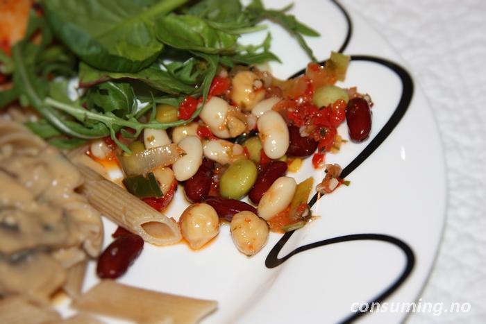 Bønnesalat fra Rema på tallerken