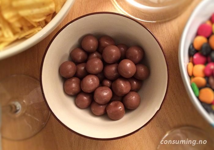 Chocolate og lakkris original i skålen sin