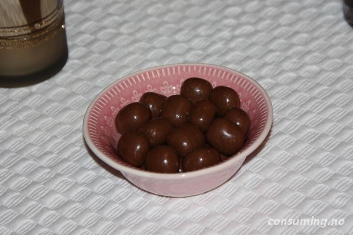 Sirius Konsum, sjokolade, kokos og lakris i skål