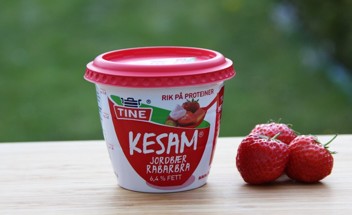 Kesam Jordbær og Rabarbra