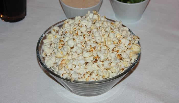 poppa-popcorn-med-havsalt-i-skal
