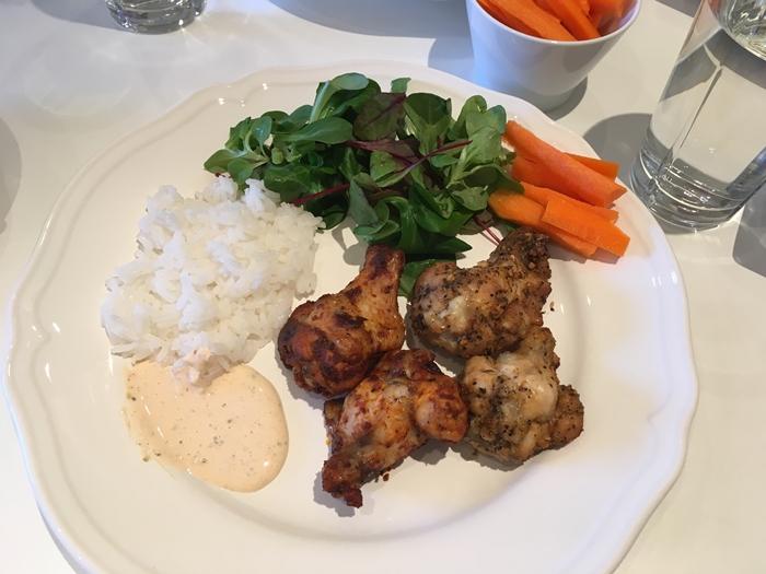 litt-av-en-kylling-megge-to-til-middag