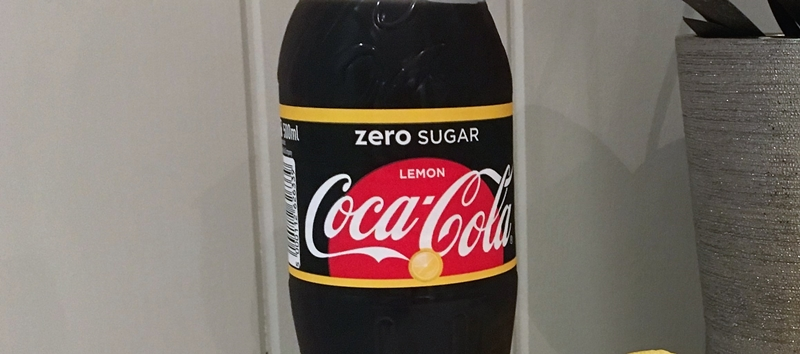 c045c5ae Det ble ikke til at jeg smakte den i helgen, men i dag klarte jeg ikke  vente lengre. Jeg hentet den ut fra kjøleskapet, åpnet korken og snuste inn.